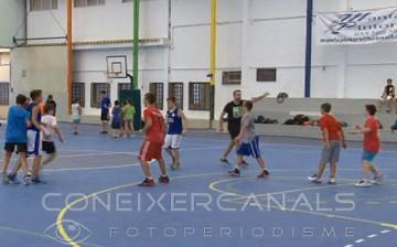 60 xiquets en el Campus de Bàsquet a Canals